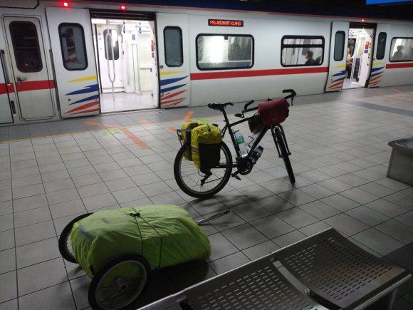 Tuktuk to Banda Aceh - 01 - 7513